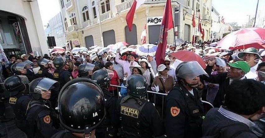 SUTEP: Dirigentes se reúnen para retomar huelga indefinida