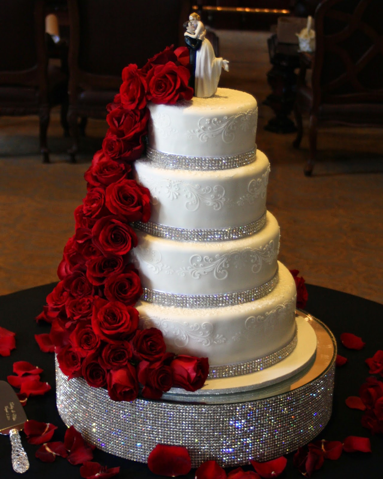 wedding cakes with red roses and bling pastries by vreeke roses at country club 26098