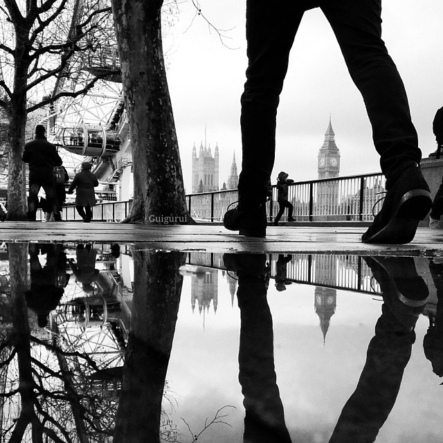 04-London-Eye-Guido-Gutiérrez-Ruiz-The-World-Reflected-in-Photographs-of-daily-Life-www-designstack-co