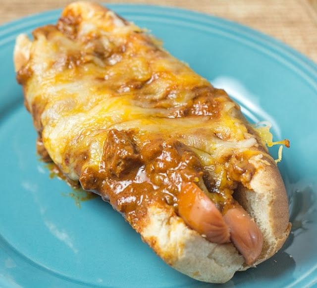 Quick & Easy: Baked Chili Dogs #lunchideas #dinner