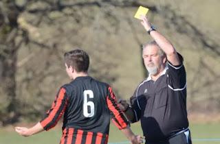 arbitros-futbol-neal-saxton