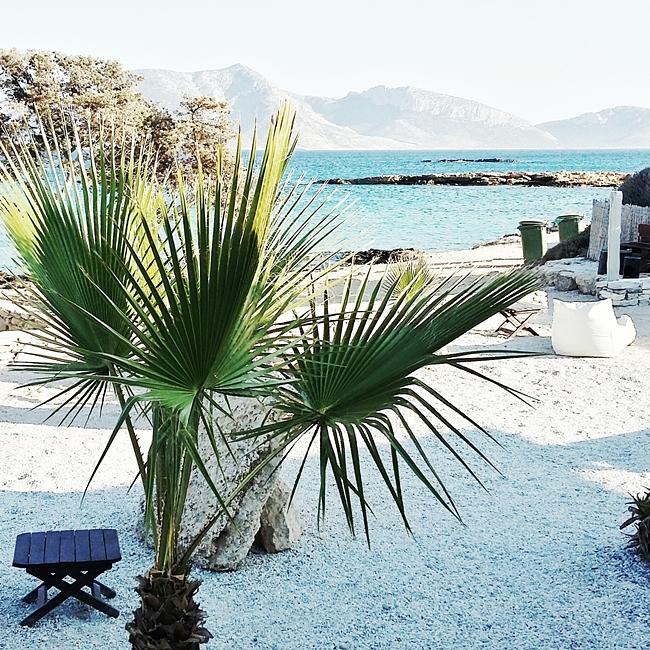 Jelena Zivanovic Instagram @lelazivanovic.Glam fab week.Fanos beach bar Koufonisia.