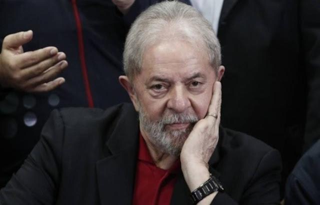 Ministro proíbe Lula de conceder entrevista