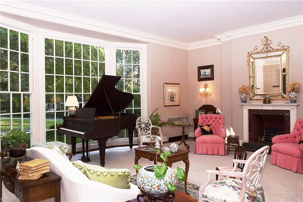 The Next Home On Our Zenke Tour Is Located In Thomasville, North Carolina.  The Current Owner Is An Avid Zenke Enthusiast Who Decorated In True Zenke  Style ...