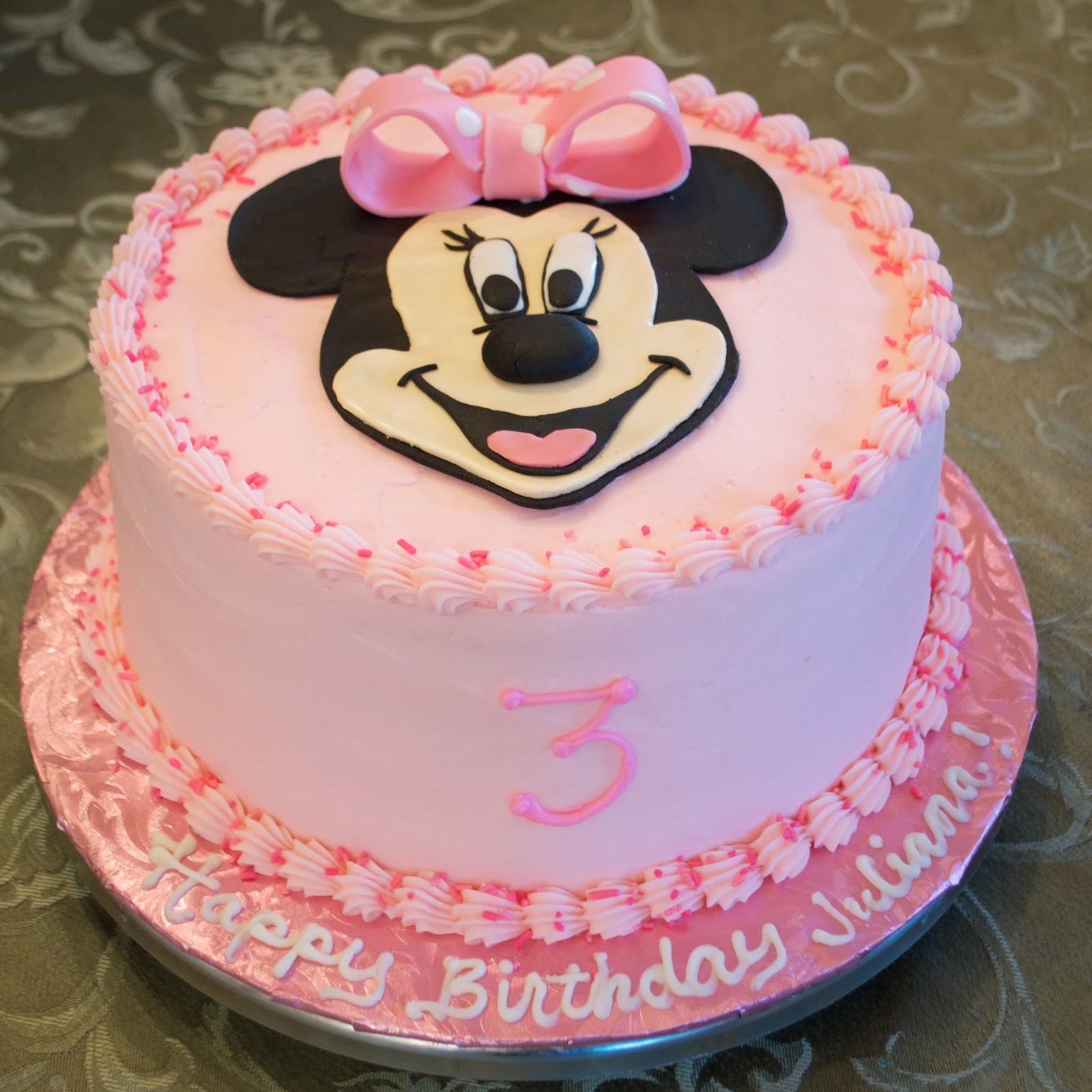 Minnie Mouse Buttercream Birthday Cakes