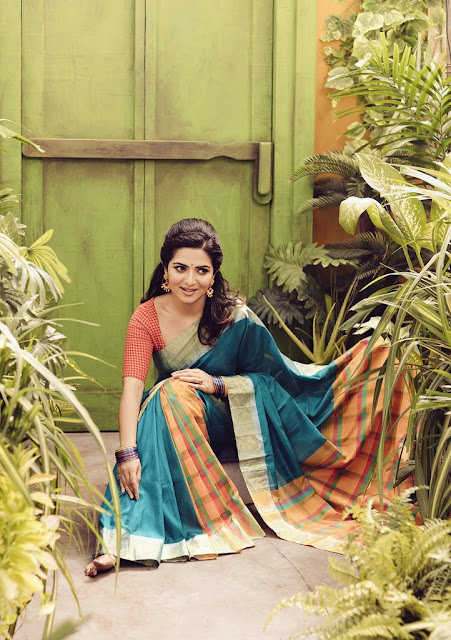 Anchor Dhivyadharshini latest Photoshoot 2016
