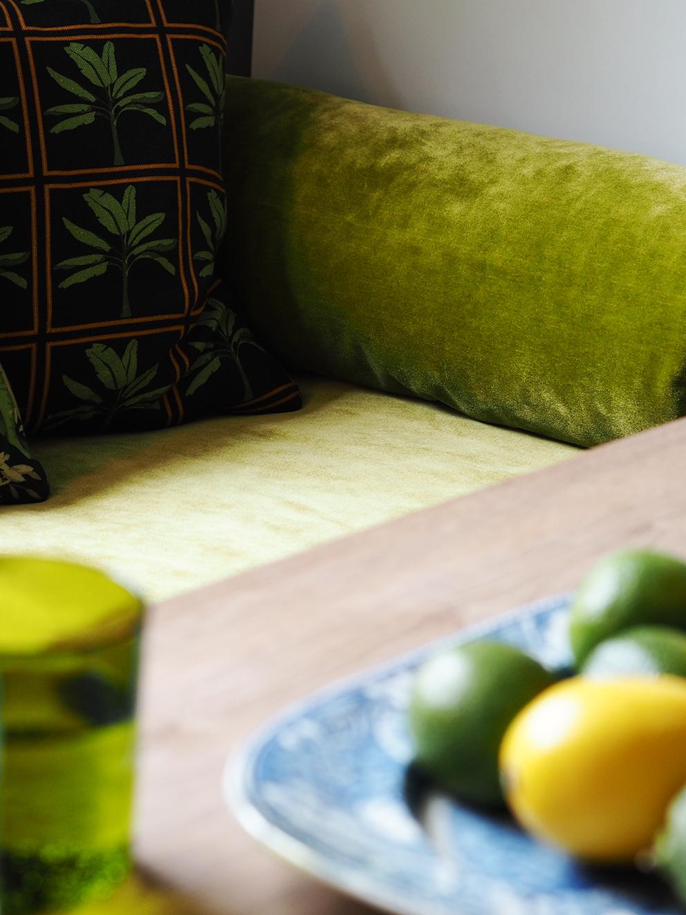French For Pineapple - Velvet Fever In The Kitchen With Swaffer