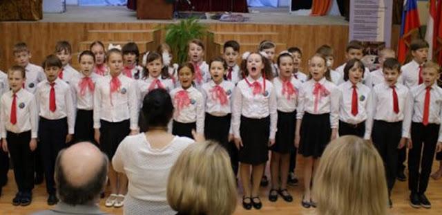 Mengharukan, Video Anak-anak Rusia Nyanyikan Lagu Indonesia Raya