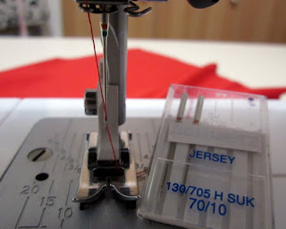 molde de costura gratis imprimir y descargar Blusa BC137 Baúl Costureras. Cómo coser telas elásticas