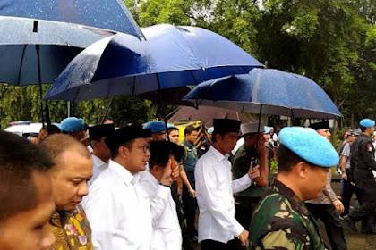 Jelang Detik-detik Aksi Berakhir Jokowi-JK datang dan ikut Salat Jumat di Monas