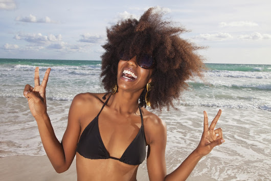 Here's 4 Tips For Protecting Your Curls On A Cruise
