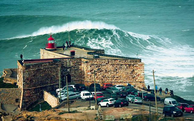 Ondas gigantes do Canhão de Nazaré – Portugal