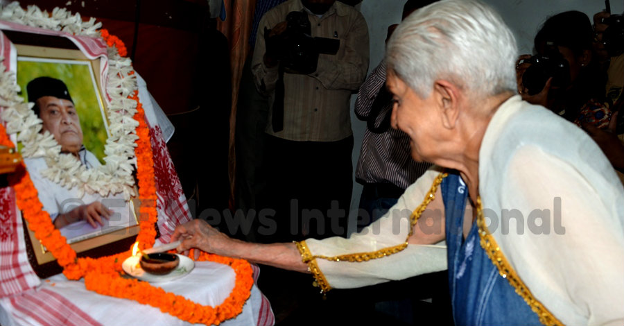 Priyamvada Patel Hazarika (wife of Bhupen Hazarika) paying her respect to Dr. Hazarika at a function in Guwahati
