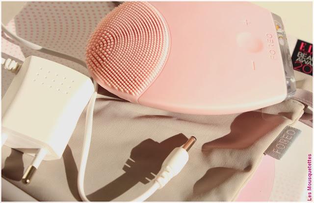 LUNA la brosse nettoyante visage de Foreo - Blog beauté