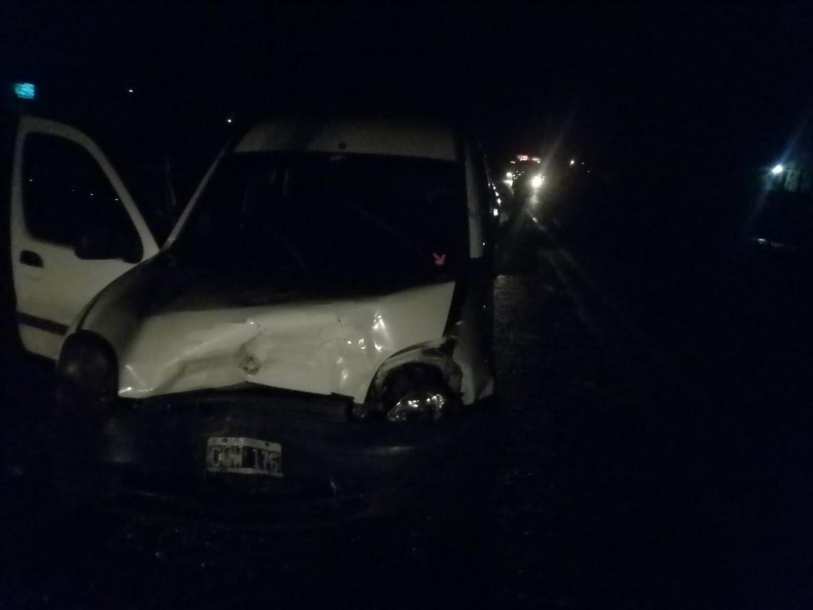 Accidente en Ruta 8 entre una chancha y una Kangoo.