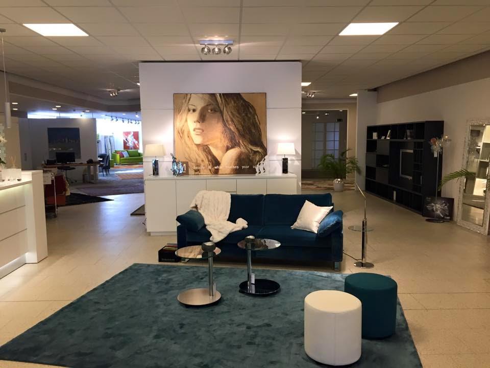 colour up your office wei e ladentheken f r markstahler. Black Bedroom Furniture Sets. Home Design Ideas