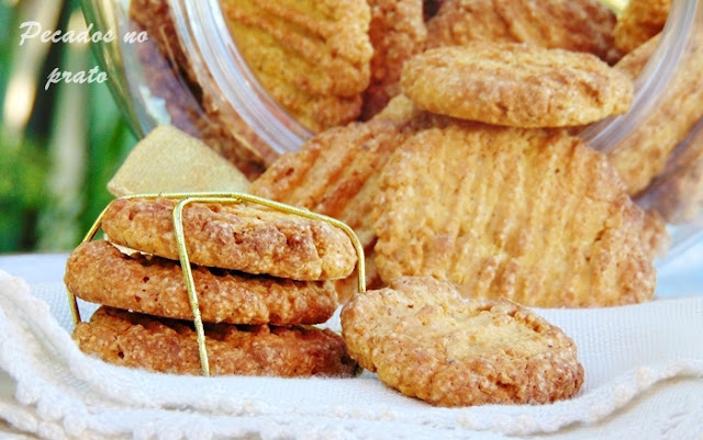 Biscoitos de farinha de milho com aveia