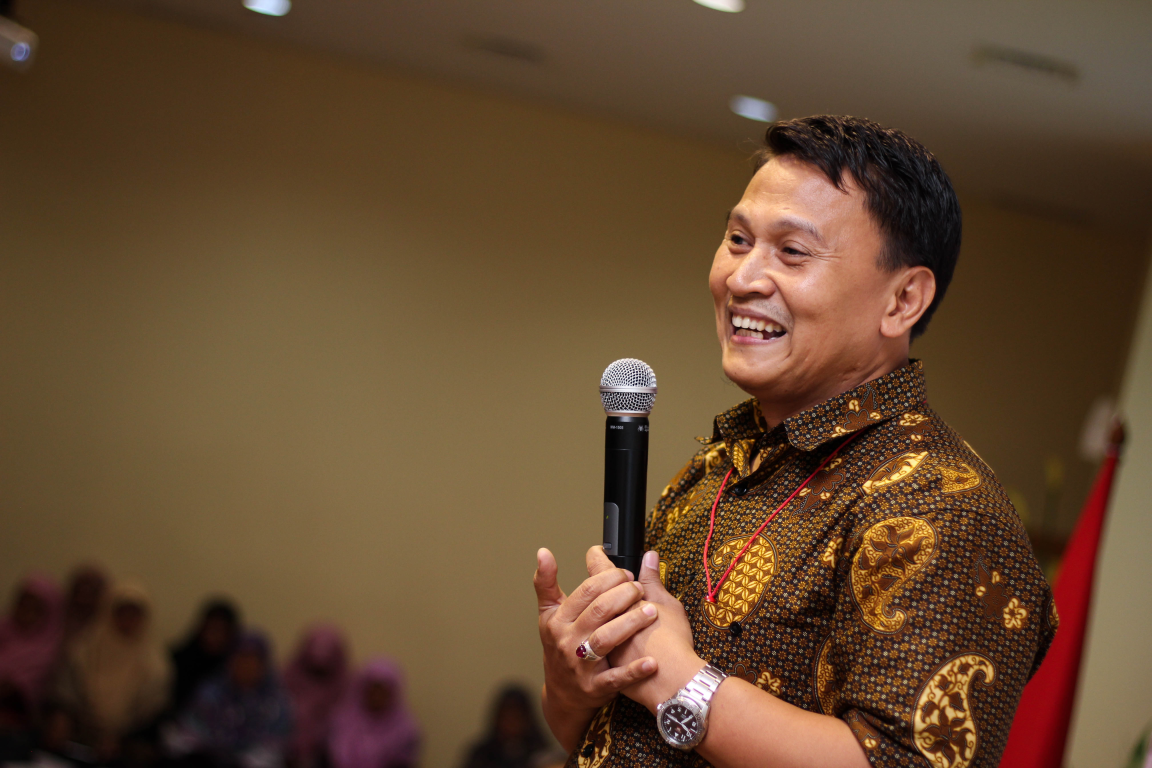 Ditantang Foto Shalat Jum'at, Ini Jawaban Cerdas Tim Prabowo