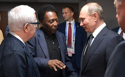 After the 2017 Confederations Cup opening match, Vladimir Putin spoke with the legendary Brazilian footballer Pele.
