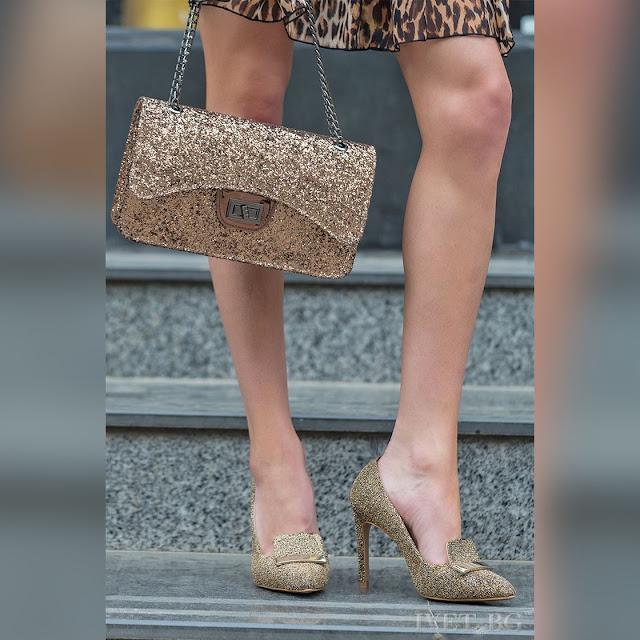 Γυναικεία χρυσά παπούτσια DALENA GOLD