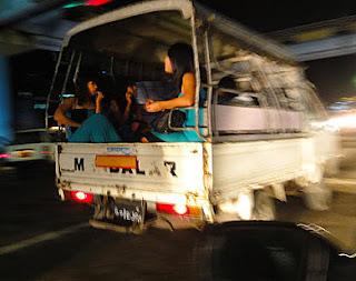 Yangon Girls business at night