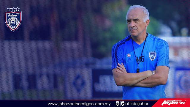 Biodata dan Profil Roberto Carlos Mario Gomez, Pelatih Baru Persib Bandung