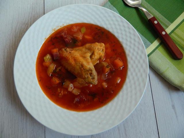 Ciorba din maruntaie de pui cu sfecla  rosie si praz