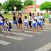 Detran-MS orienta pedestres sobre travessia correta nas vias