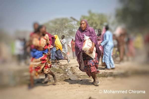 IDPs Scramble For Food Stuff In Borno Because Of Hunger (pics) - Torixus