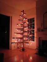 arbol de navidad con palos de madera