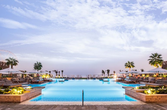 Rixos Premium: modern luxury hotel facing the sea
