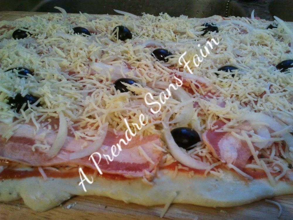 Pizza roulée (pas à pas en photos)