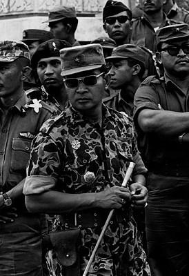 Mayor Soeharto pada saat pembongkaran makam G - Spki