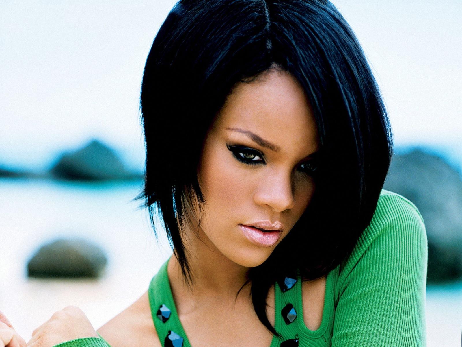 Rihanna: HD Rihanna Wallpaper-High Definition Wallpapers Stock