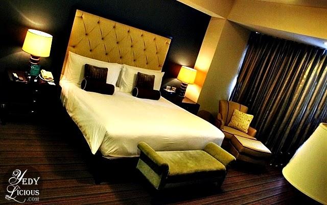 Bedroom at Oakwood Manila