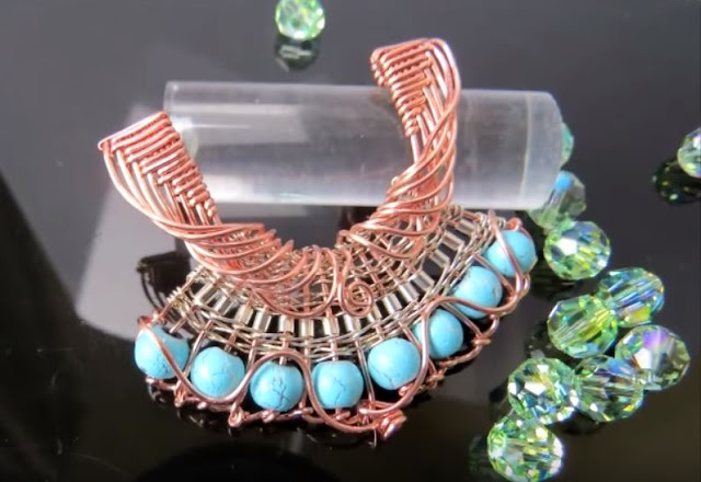 gorgeous wire wrapped fan pendant tutorial uses basket weaving technique
