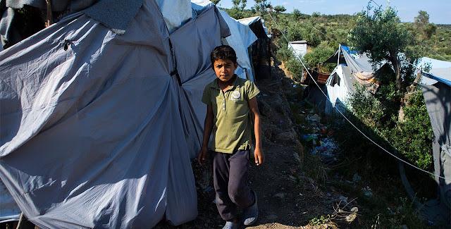 Ξύλο στη Μόρια με ρόπαλα και σιδερολοστούς μεταξύ νεαρών λαθρομεταναστών