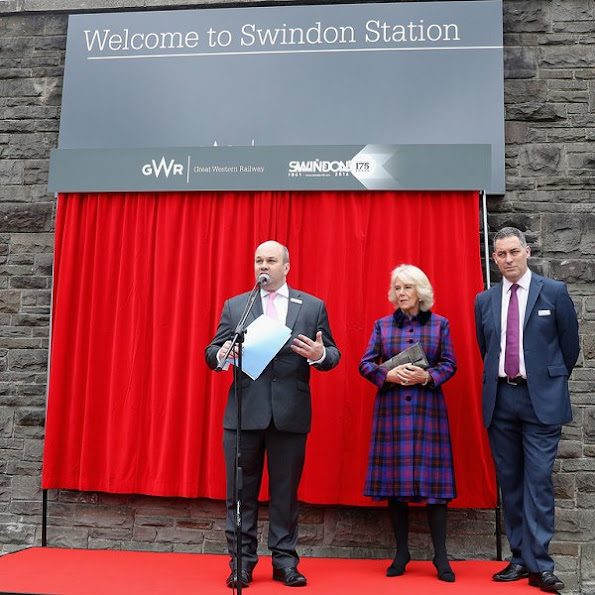 Camilla, Duchess of Cornwall meets children as she visits Swindon Railway Station to name Sir Daniel Gooch Place, style wore dress, New season autumn dresses Fall 2016 Fashion Trends, Fall/Winter 2016-2017 Trends