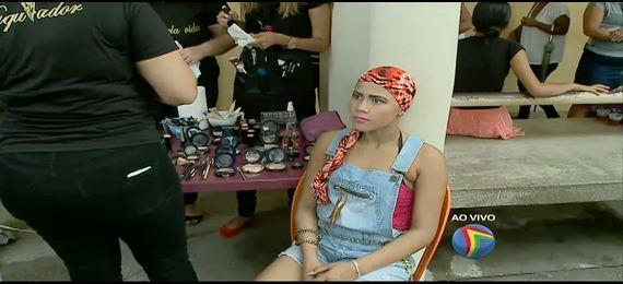 Estudantes fazem maquiagem em pacientes do Hospital de Câncer de Pernambuco