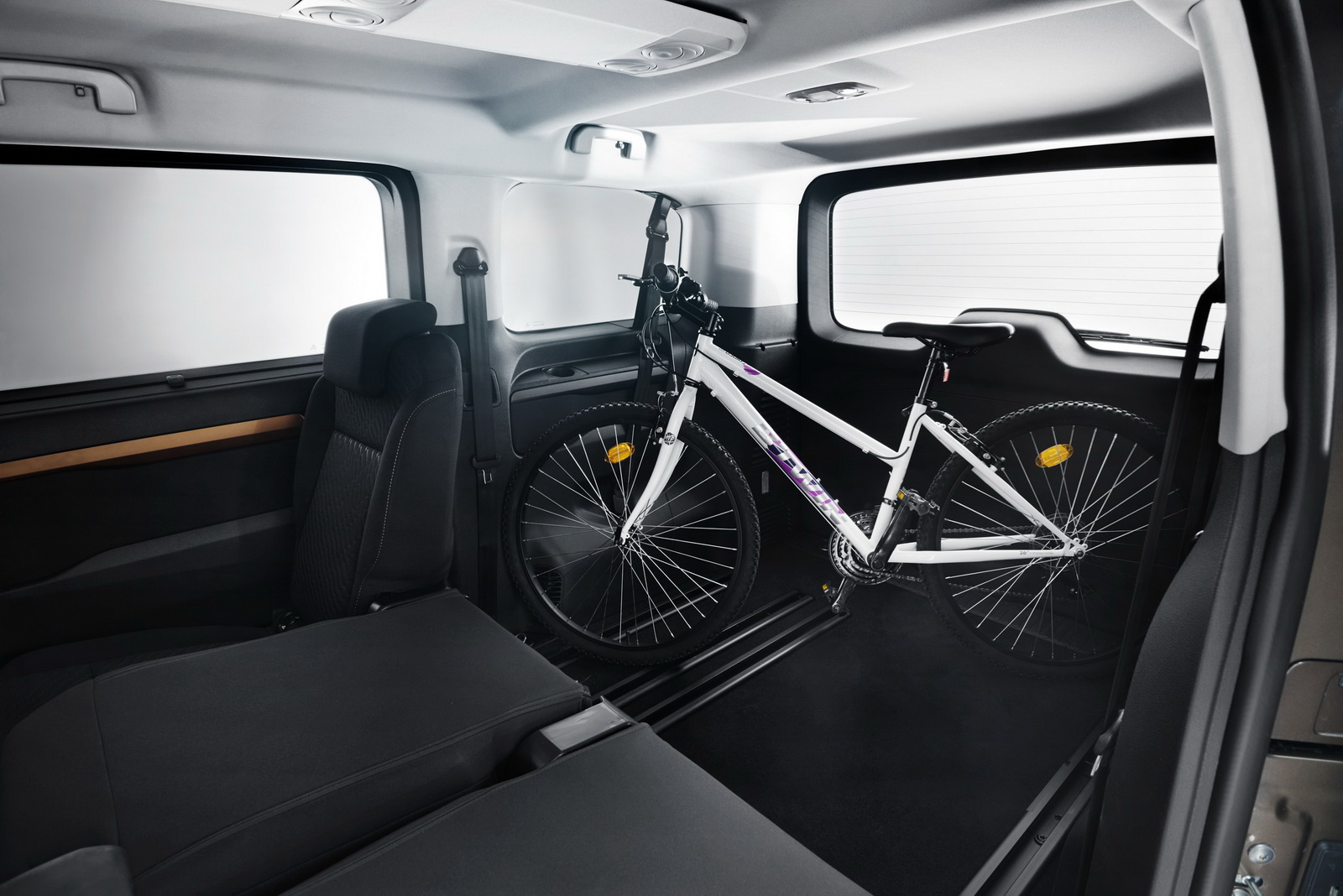 new toyota proace verso mpv detailed offers seating for up to nine w video carscoops. Black Bedroom Furniture Sets. Home Design Ideas