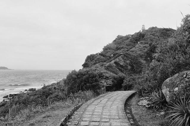 Caminho para o farol das conchas da Ilha do Mel no Paraná.