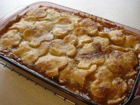 Shamrock crust on peach or apricot cobbler