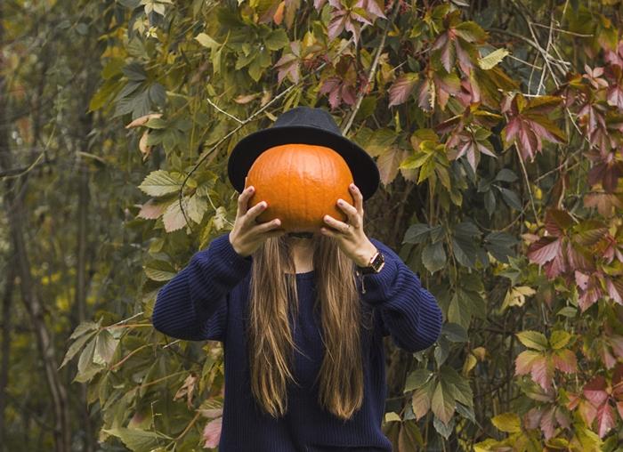 piękne włosy jesienią