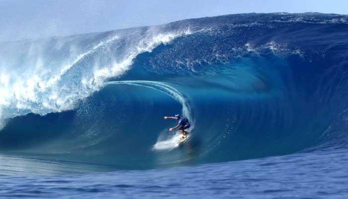 10 Tempat Berselancar Paling Populer Di Indonesia 2017 Reygina Wisata Indonesia