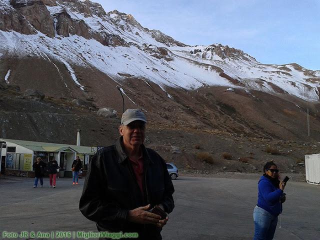 No alto dos Andes, no posto da Aduana Chile-Argentina.