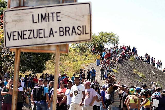 População venezuelana foge de seu país em caos para os países vizinhos