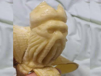 Jones from Pirates of-the Caribbean carving banana fruit