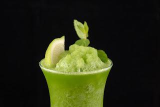 http://zielonekoktajle.blogspot.com/2015/08/awokado-ogorek-limonka-cytryna-kokos.html