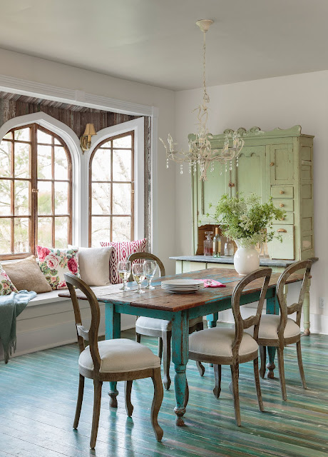 You should like this interesting dining room chair ideas