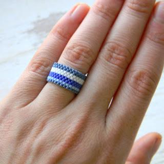 купить синее кольцо полосатое кольцо из бисера ручной работы